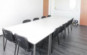 Location salle de reunion avec table longue angers